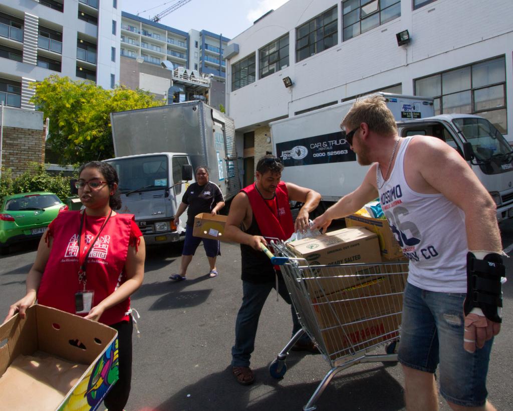Volunteers at Auckland City Mission - Corey Blackburn Photographer